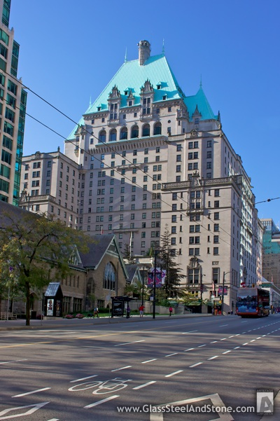 gun wielding man in fairmont hotel closes downtown vancouver. Black Bedroom Furniture Sets. Home Design Ideas
