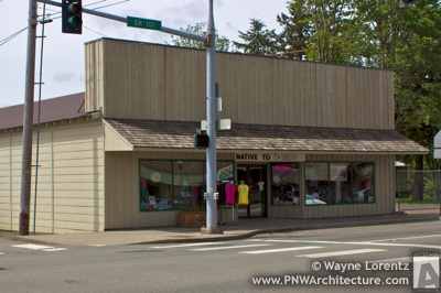 10 North Forks Avenue in Forks, Washington